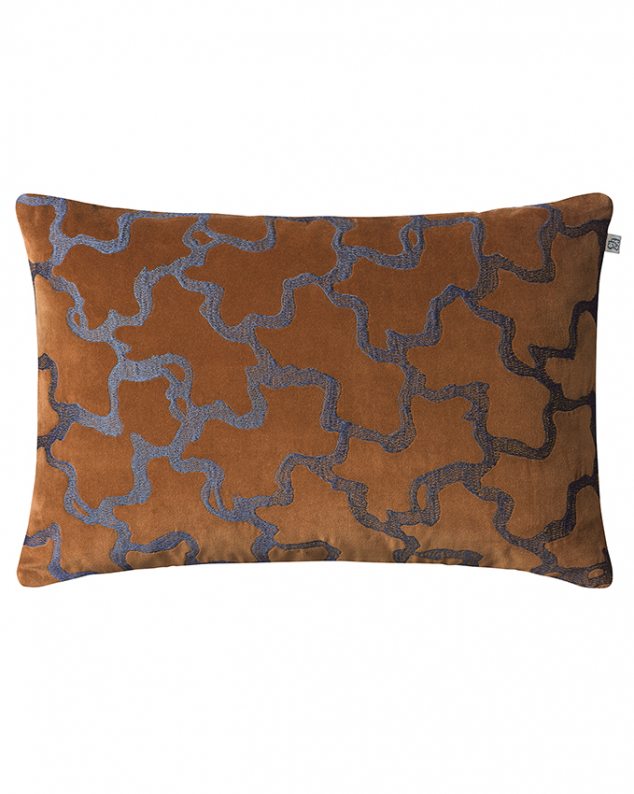 Chand - Cognac/Sea Blue in the group Cushions / Embroidered Cushion Covers at Chhatwal & Jonsson (ZCC210282-16V)