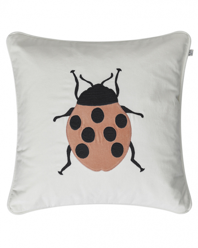 Beetle - Ivory/Rose in the group Cushions / Embroidered Cushion Covers at Chhatwal & Jonsson (ZCC670131-15V)