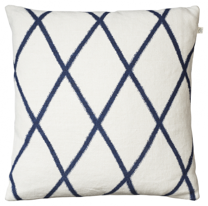 Ikat Orissa - Off White/Blue in the group Cushions / Linen Cushion Covers at Chhatwal & Jonsson (ZCC740144-5)